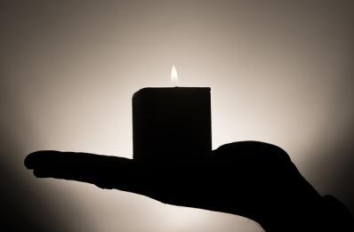 candle-335965_640.jpg